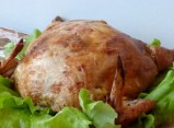 Курица,фаршированная перепелиными яйцами